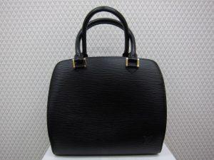 ルイ・ヴィトン エピ ポンヌフ ノワール 買取りいたしました。神戸三宮高価買取ブランドラボ