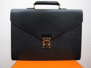 ルイ・ヴィトン エピ アンバサダー M54412 黒 買取りいたしました。神戸三宮高価買取ブランドラボ