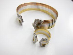 カルティエ風ゴールドバングル&ゴールドリングK18金/48gダイヤモンド0.5ct買取りいたしました。