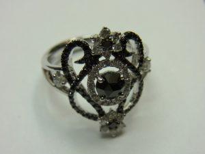 ジュエリー買取させて頂きました。K18WG ダイヤモンド・ブラックダイヤ・ジュエリー買取のブランドラボ