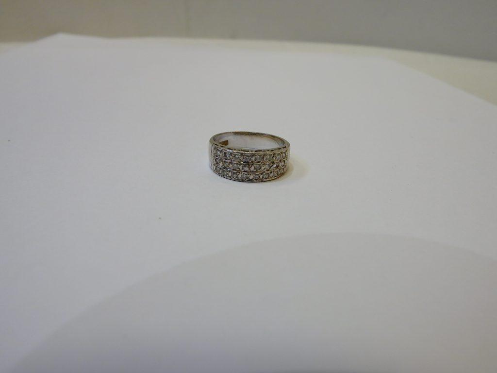 プラチナメレダイヤモンドリング・pt850ジュエリー大阪神戸買取