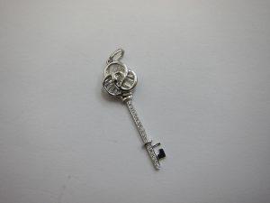 ダイヤ鍵型ネックレスTOP・大阪神戸買取・デザインジュエリー