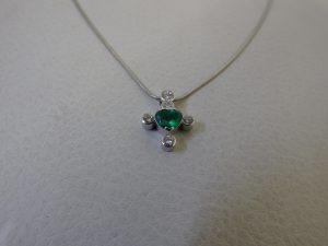 エメラルドダイヤモンドデザインネックレス・大阪神戸高価買取