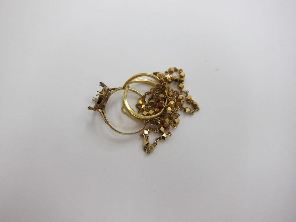 金・製品買取・大阪神戸・金製品・壊れた石の取れた指輪・切れたネックレス買取