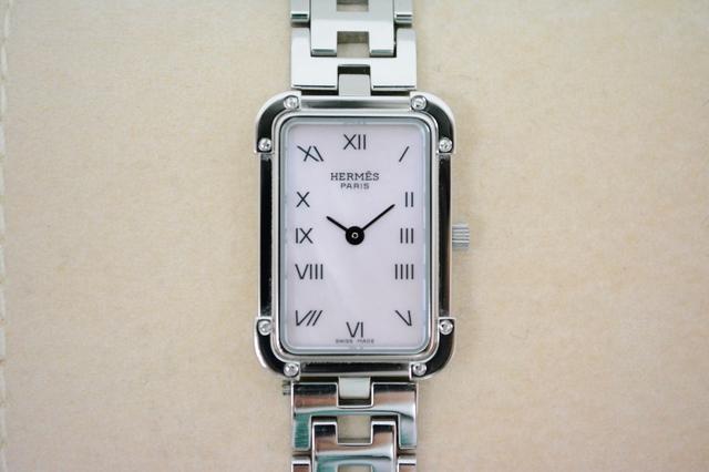 エルメス婦人時計クロアジュールCR2.210.214ステンレス素材、クオーツ、ピンクシェル文字盤買取いたしました。