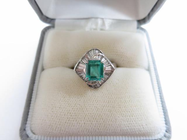 エメラルド 買取 古いジュエリーも宝石の質を見て高額査定