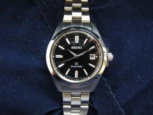 グランドセイコー腕時計レディースSTGF055買取りいたしました。