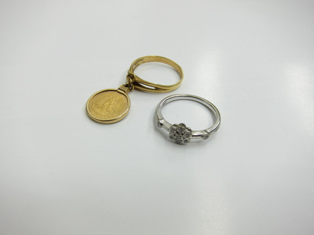 K21.6金&K18金リングとK18金WGリング総重量9.6g買取りさせていただきました。