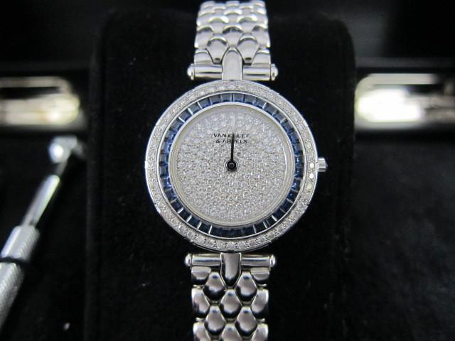 ヴァンクリーフ&アーペル レディースWGベゼルダイヤ&サファイヤ文字盤ダイヤ時計買取りいたしました。