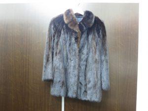 毛皮ミンク ショートコート ネーム入り 買取いたしました。