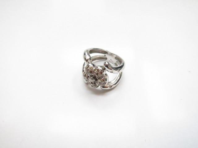 フラワーモチーフK18金ダイヤリング10.5g メレD0.66ct買取いたしました。
