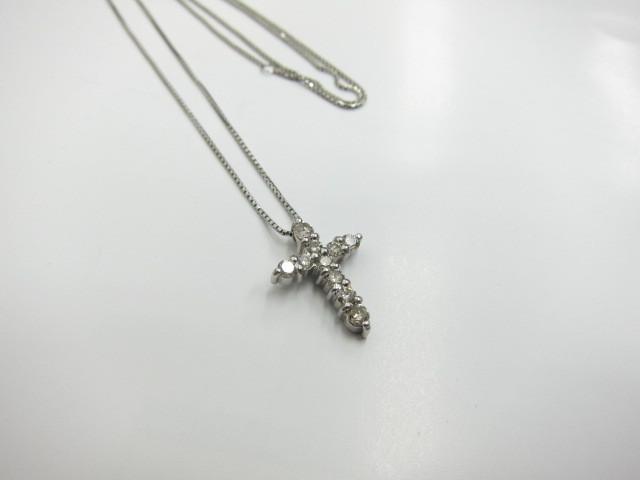 プラチナダイヤモンドクロスネックレスPt900&Pt850/5.2gダイヤモンド0.7ct買取りいたしました。