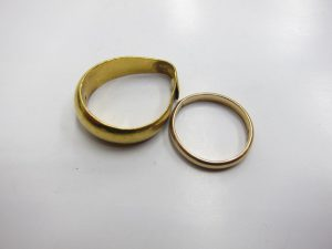 K24金純金リング&K18金リング総グラム数7g買取りいたしました。
