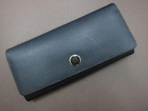 ロエベLOEWEロゴボタン付き長財布買取させて頂きました。