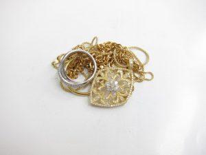 K18金&プラチナPt900ダイヤモンドネックレスやリング総重量25.3gダイヤモンド総カラット数1.3カラット買取いたしました。