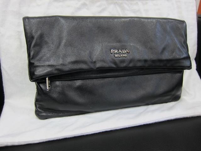 プラダ クラッチバッグ 黒 BP0633買取いたしました。