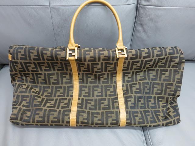 フェンディ ブランドバッグ 買取 流行りの過ぎたバッグも高価買取