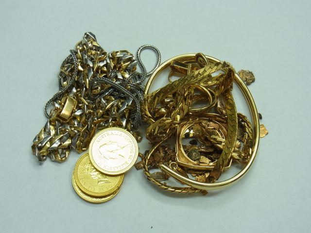 金買取させて頂きました。プラチナ・メイプル金貨高価買取なら神戸・三宮のブランドラボ