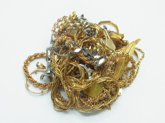 金買取させて頂きました。K18、メイプル金貨、ネックレスの高価買取は大阪、神戸のブランドラボ