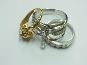 K18金・K10金・ptプラチナ900リング総重量10.7gルースダイヤ・メレダイヤ総カラット0.7ct買取いたしました。