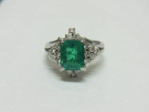 宝石買取させて頂きました。エメラルドメレダイヤリング・ダイヤモンド、宝石の買取なら大阪・神戸のブランドラボ
