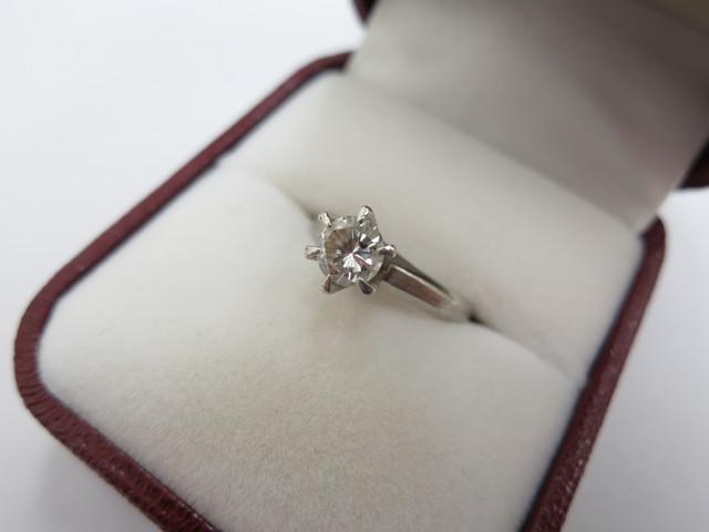 ダイヤモンド 買取 大阪 神戸 立て爪リング カーボンインクルージョン