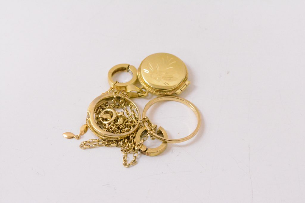 K18金 指輪 ネックレス 高価買取 大阪神戸 貴金属 純金