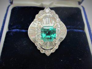 デザインが古い エメラルドダイヤリング 大阪神戸 高価買取