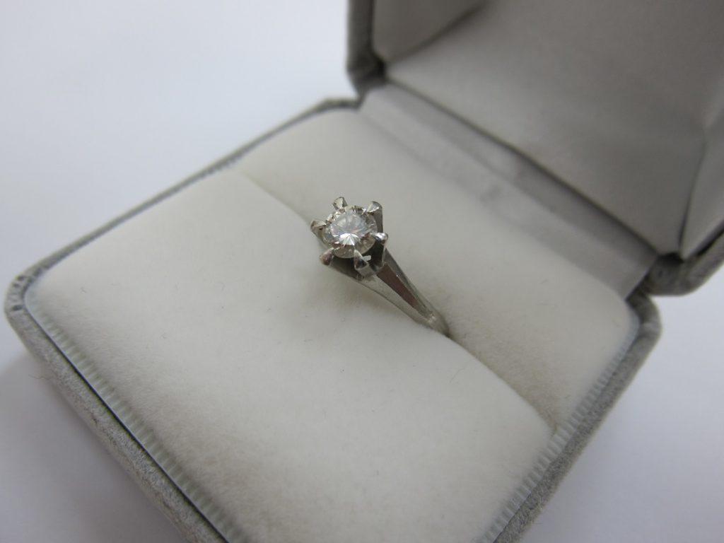 ダイヤモンド 買取 大阪 兵庫 立て爪 ダイヤの指輪 ジュエリー 無料査定