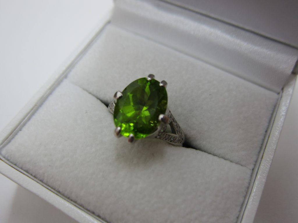 ペリドットダイヤモンドリング 色石宝石 ダイヤ高価買取 大阪神戸