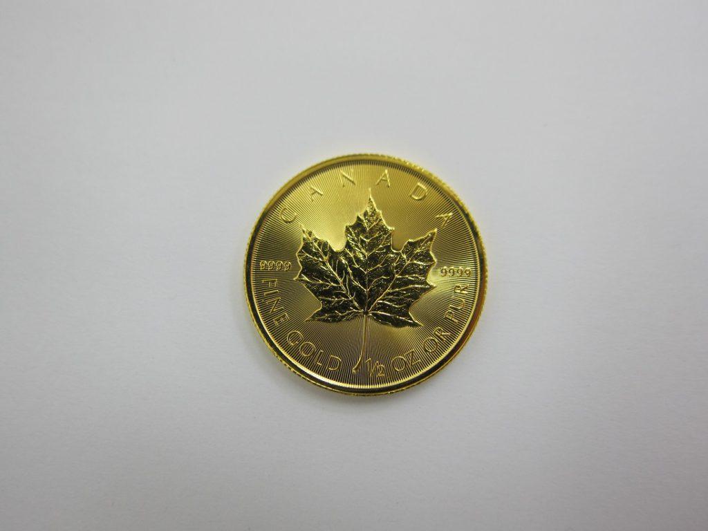 本日の金買取価格 神戸三宮 メイプルリーフ金貨1/2オンス K24コイン