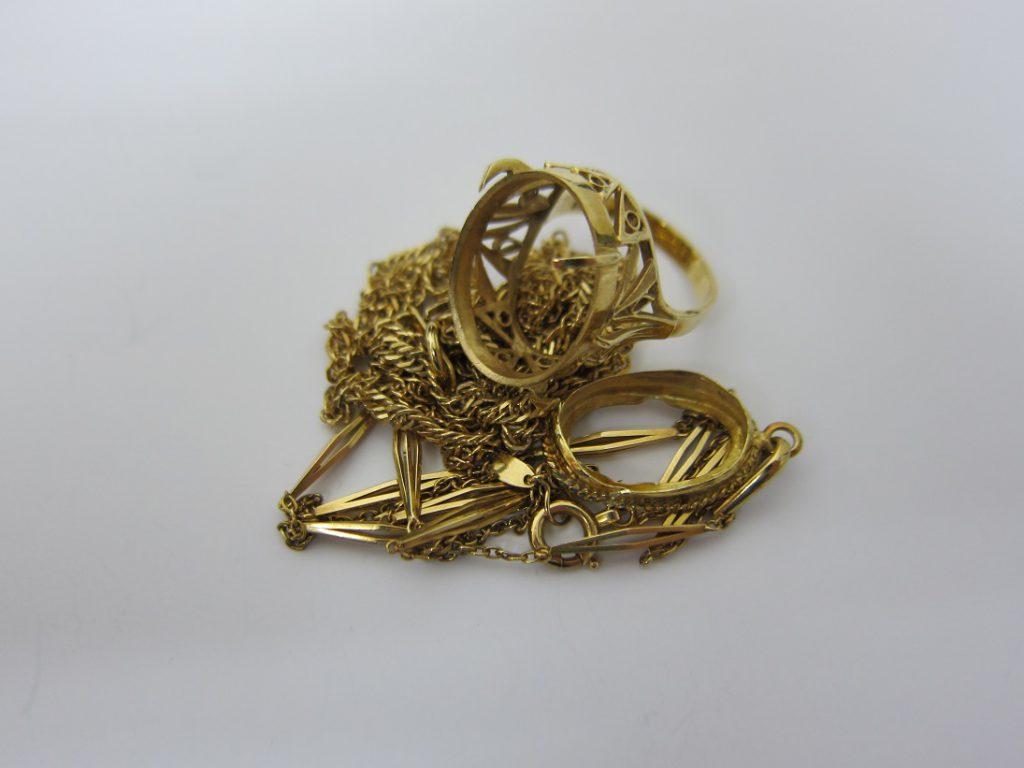 金 買取 大阪 神戸 18金ジュエリー 古いネックレスやリング 無料査定