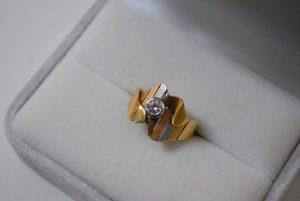 スリーゴールドダイヤリング ノーブランド ダイヤモンド 買取 大阪神戸