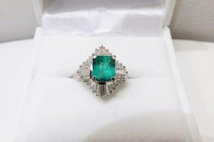 エメラルドリング ダイヤモンド 大粒宝石ジュエリー 大阪神戸買取