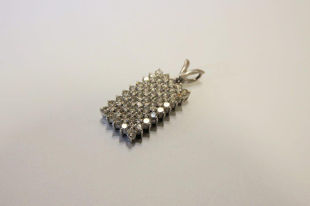 ネックレスTOP プラチナ素材 メレダイヤモンド1.50ct 大阪神戸買取