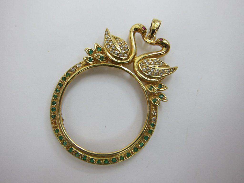 ネックレストップルーペ k18金 ダイヤモンド エメラルド