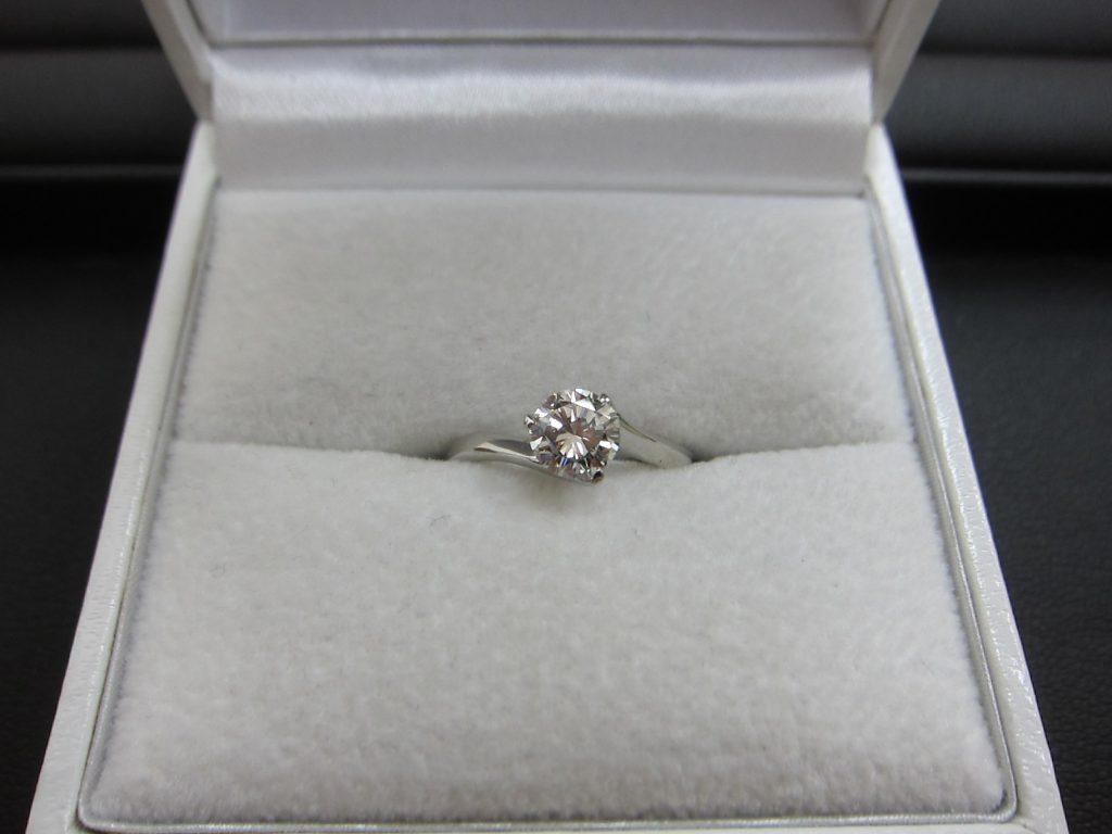 Pt900ダイヤモンド エンゲージリング 婚約指輪 買取